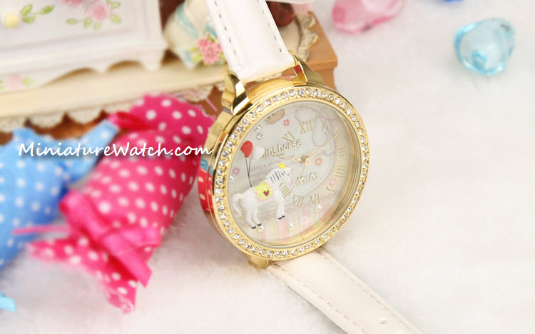 white gold mini horse mini watch 3a