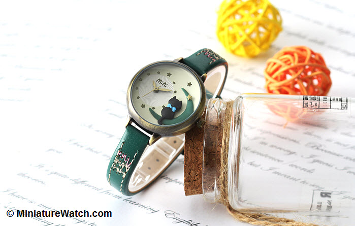 Moon Cat Mini Watch Green 2